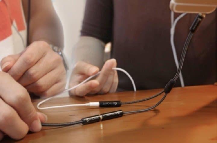Syncwire - Headphone Splitter