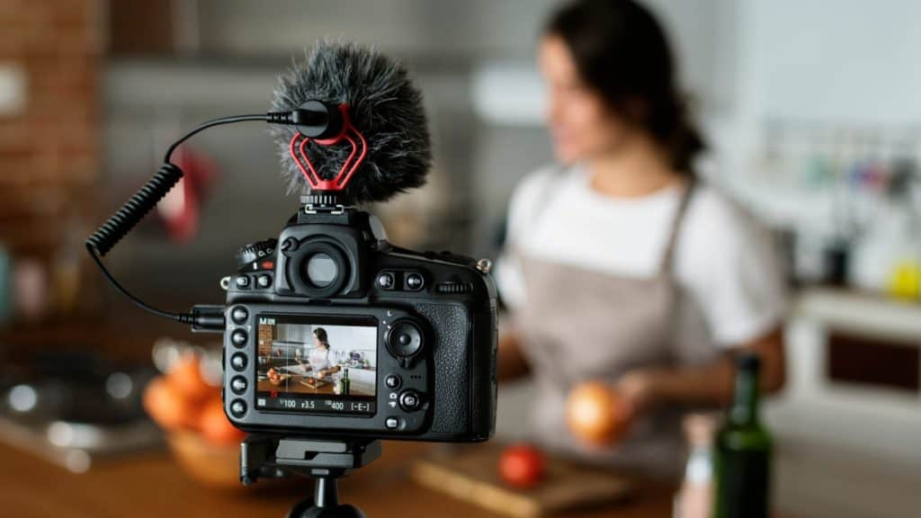 Cooking Videos for Your YouTube Channel with Vidclipper