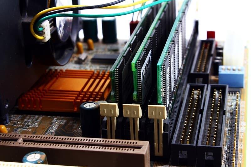 micro-atx-vs-mini-itx-vs-atx-PCIe-slots